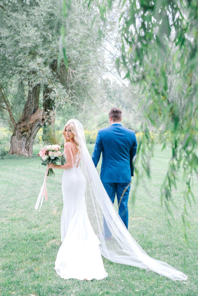 Real Wedding Veronica Amp Brad Outdoor Garden Party At The Terra Cotta Inn As You Wish Weddings